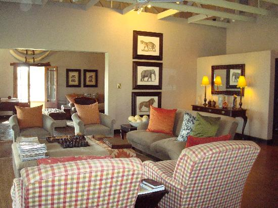 White Elephant Safari Lodge: Inside the Main Lodge