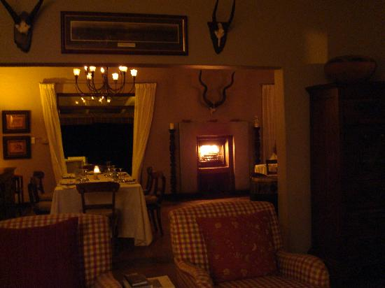 White Elephant Safari Lodge: Dinner in the Main Lodge