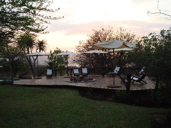 White Elephant Safari Lodge: Sunrise by the pool deck