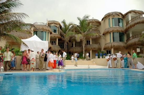 Playa La Media Luna Hotel Reception Party At The Pool