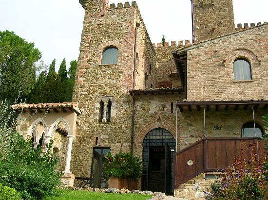 Castello di Monterone: Facciata posteriore