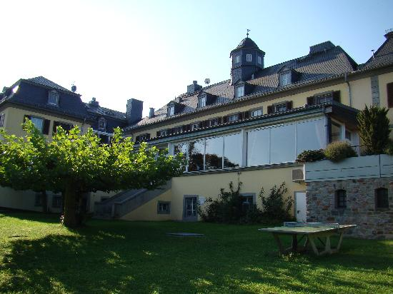 Hotel Jagdschloss Niederwald: Along the grounds of the hotel