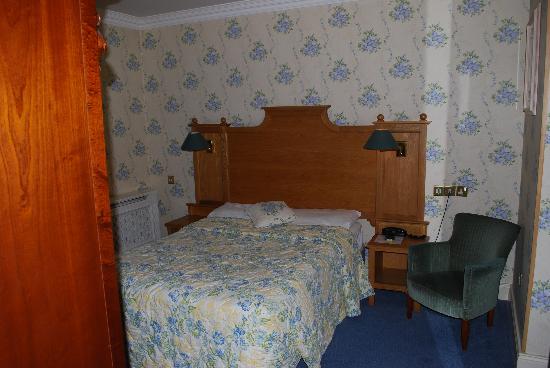 Arbutus Hotel: my room - 218