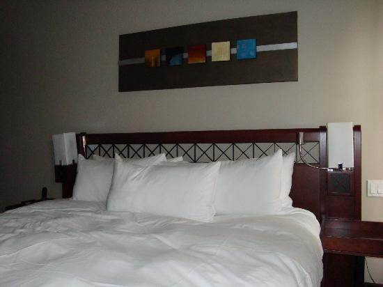 Hotel Nelligan : Bedroom1 Room 413