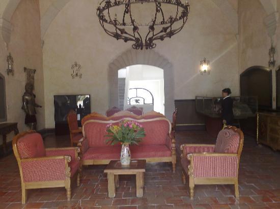 Castillo Santa Cecilia Hotel: Interior