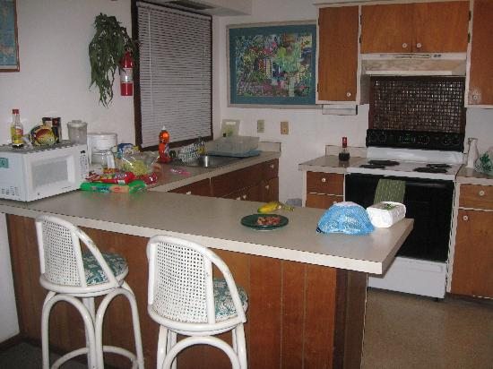 Classic Vacation Cottages: Kitchen