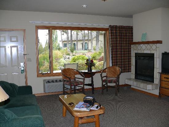 Bigfork Mountain Lake Lodge : Interno suite:soggiorno