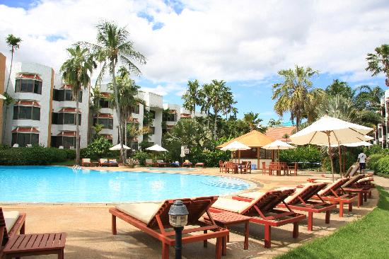 Palmeraie Beach Hotel : Swimming pool