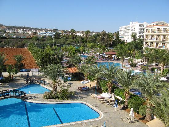 Tsokkos Sun Garden Apartments: The pool area