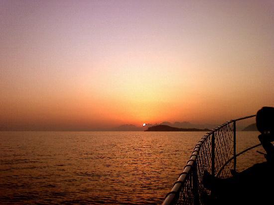 Turunc Hotel: returning to turunc at sunset