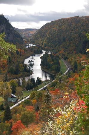 Agawa Canyon Tour Train: The view from the observation area.