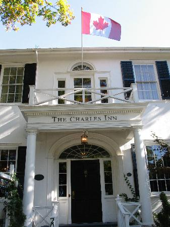 The Charles Hotel: Charles Inn entrance