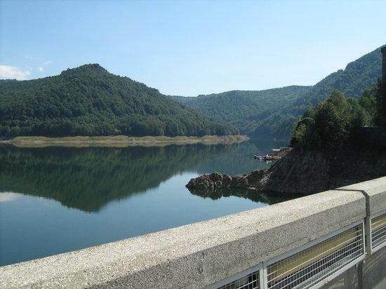 Curtea de Arges, Rumänien: Lacul Vidraru (Vidraru Lake)