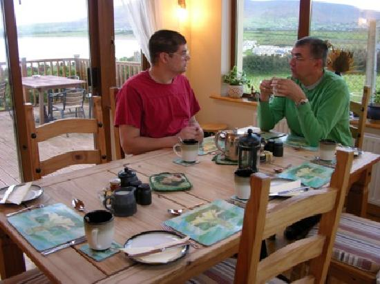 Seaside Haven Bed and Breakfast: Breakfast area