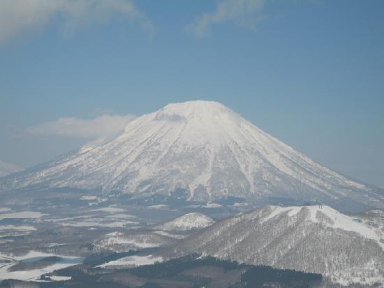 Rusutsu Resort Ski : ルスツから見える羊蹄山