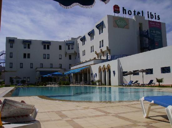La piscine picture of ibis el jadida el jadida for La piscine review