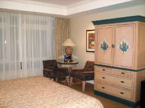 Great Cedar Hotel at Foxwoods: Room shot 2