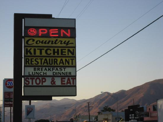 Jeff's Country Kitchen - sign