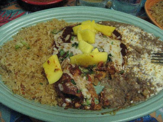 Amigos Mexican Restaurant: Amigos' Saturday night special-Enchiladas Yucatan dish