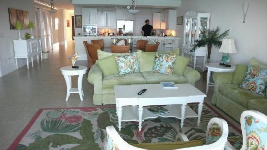 Caribbean Club: family room