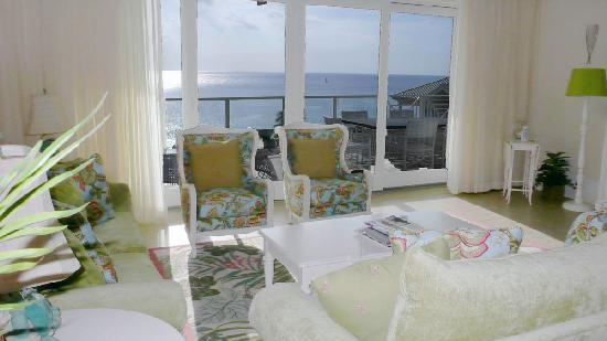 Caribbean Club: family room with ocean view
