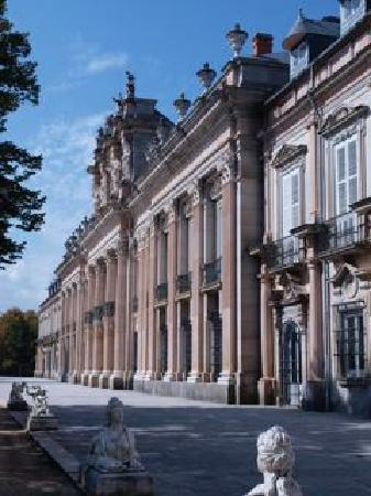 Palacio Real de la Granja: View of the back of the palace from the gardens