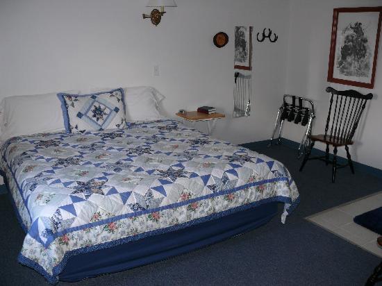 Bybee's Steppingstone Motel: Steppingstone interior