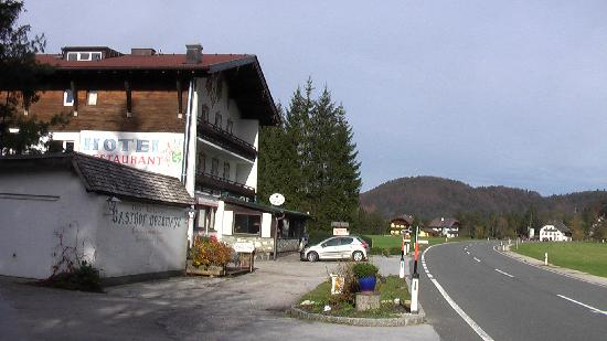 Hotel Obermayr: Gasthof Obermayr from the South