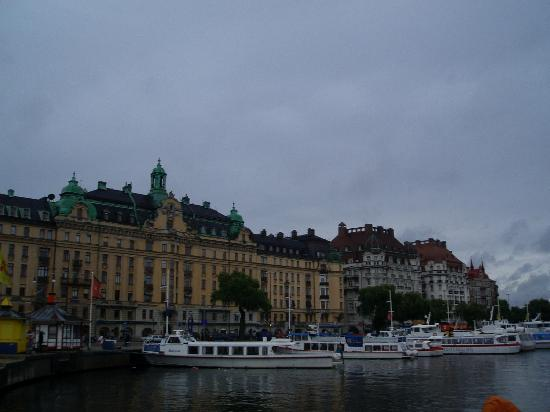 Hotel Esplanade: view from the harbour (hotel is to the right of yellow bldg.)