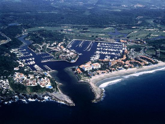 Marina Ixtapa Golf Club : Marina and Golf Club