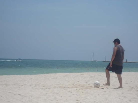 Telchac Puerto, Μεξικό: Playas amplias para hacer deportes