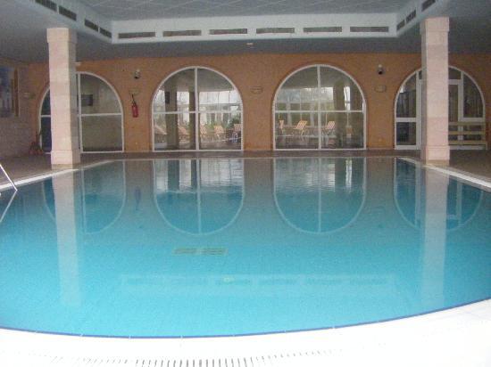 VIME Sidi Mansour: La piscine intérieure