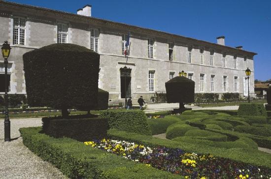 Castres, Francia: Exterior del Museo Goya