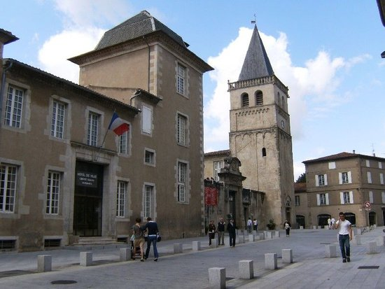 Castres, France : Museo Goya exterior