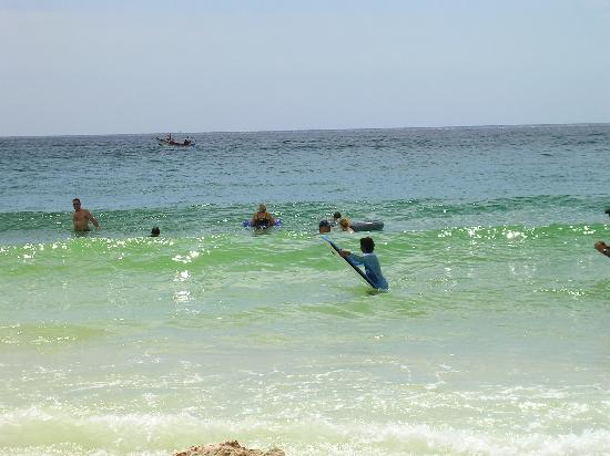 Casa Del Mar Beach Resort: Waves Rolling on CDM Beach