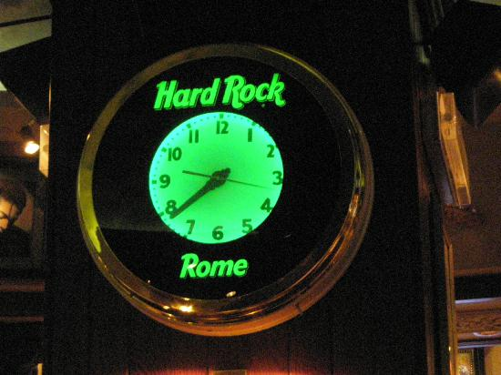 Hard Rock Cafe: Hard Rock clock