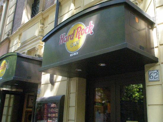 Hard Rock Cafe: Front of restaraunt