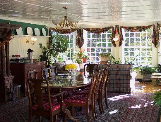 The Inn at Ormsby Hill: Breakfast / Dining Room