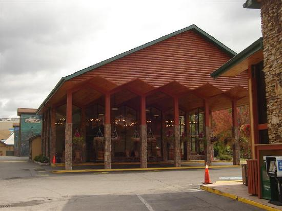 River Terrace Resort and Convention Center: Hotel Lobby