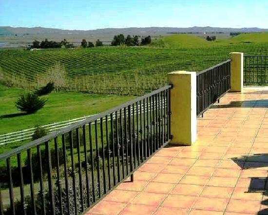 Black Sterling Villa and Vineyard Estate : views, views, views....