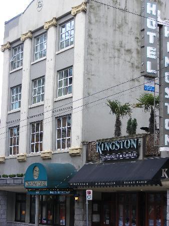 Kingston Hotel: The Kingston and adjacent pub/grill