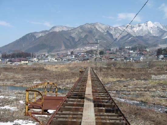 Kijimadaira-mura, Japan: 廃線と高社山