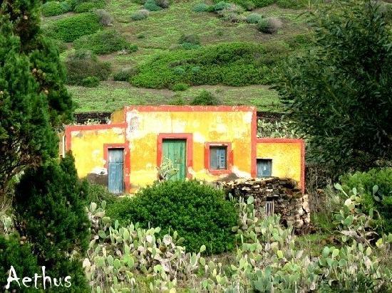 Pelagie Islands: casa tipica di campagna