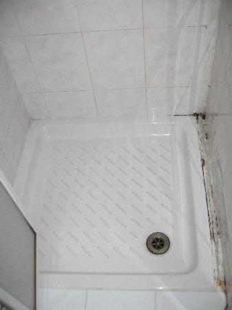 Hotel Alex: il piatto doccia