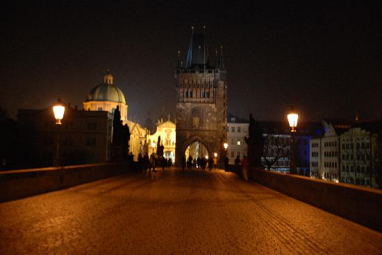 Hotel Pod Vezi: night scene