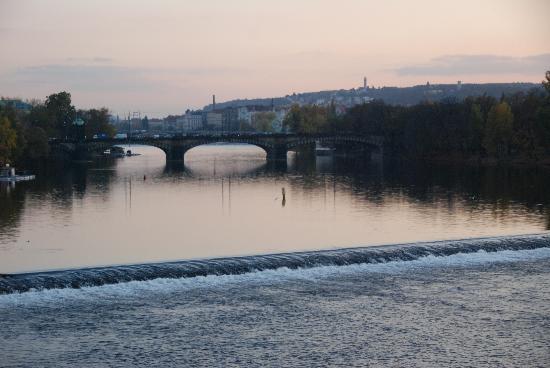 Hotel Pod Vezi: River Scene