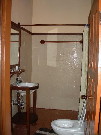 Villa Champa: Bathroom