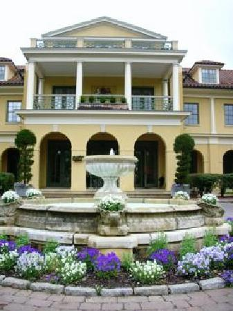 Keswick Hall: ホテルの外観