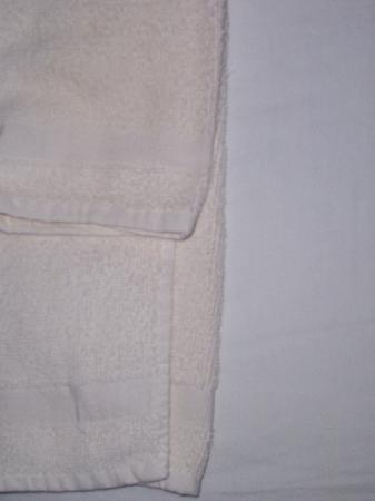 "Warfordsburg, Pensilvania: ""white"" towels that are not white"