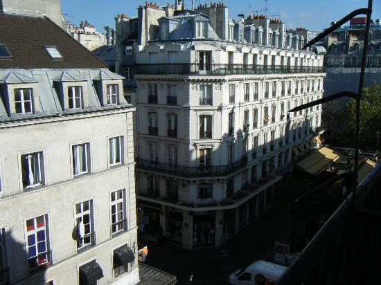 أجورا: View from Balcony